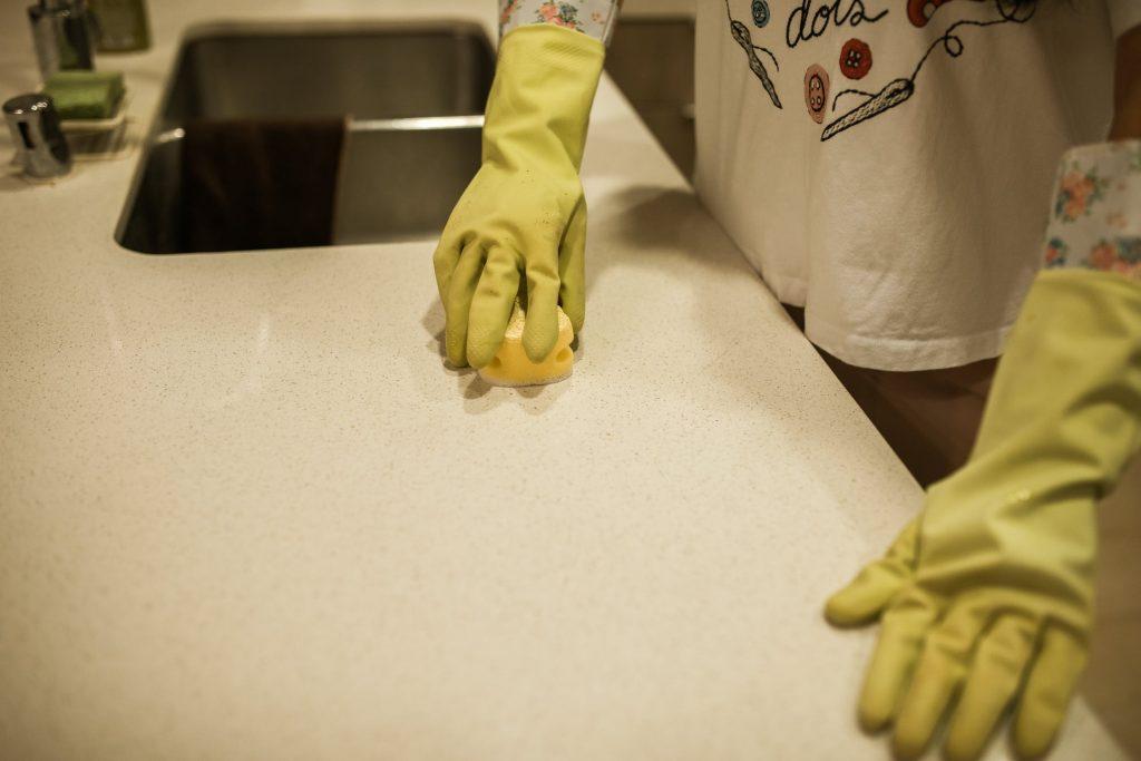 Nettoyer et désinfecter votre maison contre le COVID-19